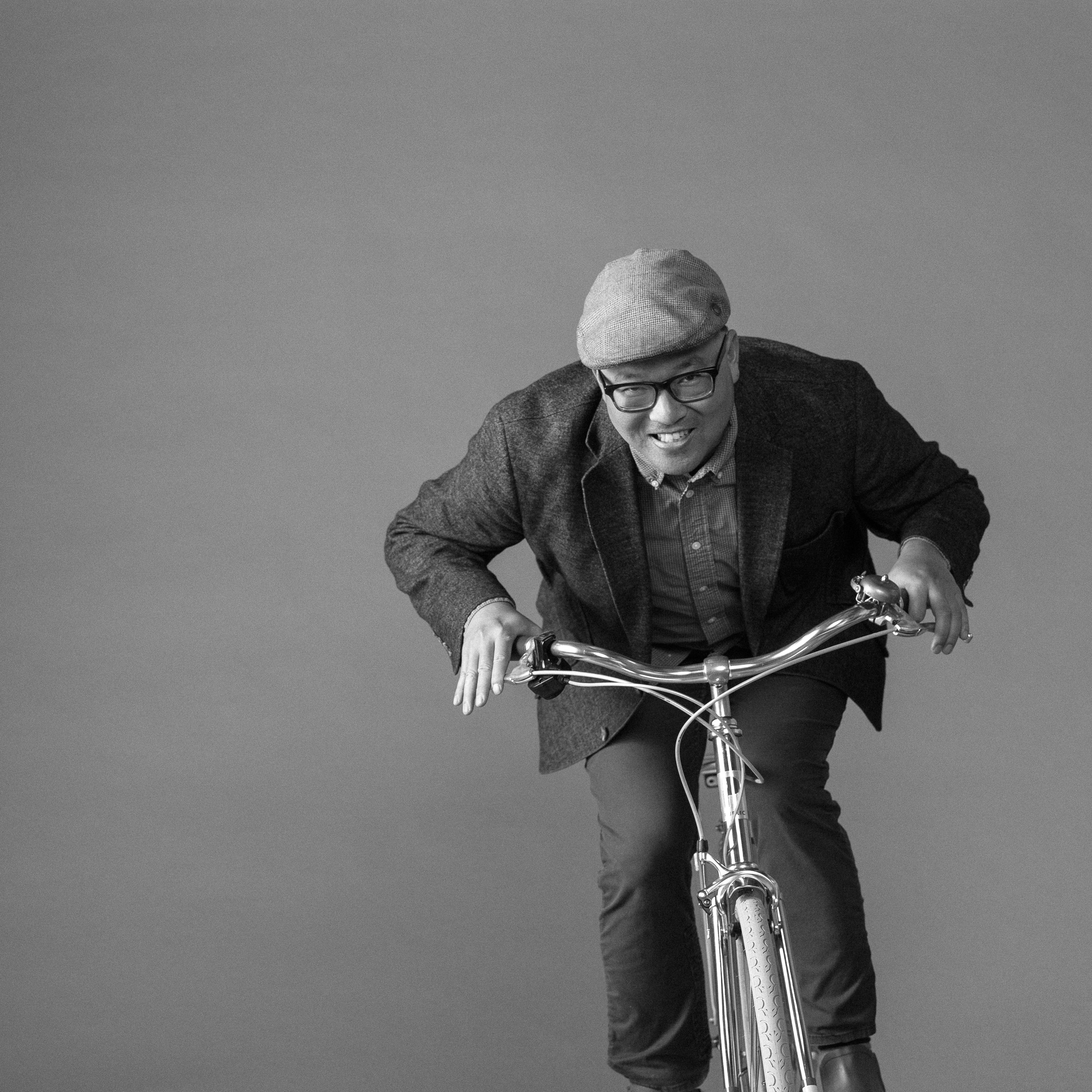 San Francisco portrait photographer - Dan Dguyen CEO of Public bicycles rides in my studio